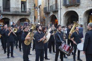 "Passacarrer de ""la Valenciana"" a Besalú"