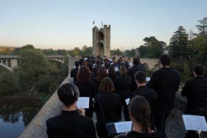 "Passacarrer de ""la Valenciana"" a Besalú (2)"