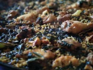 Paella d'hivern, amb coliflor i espinacs